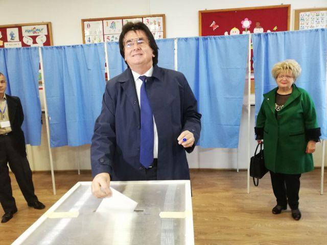 Robu vot